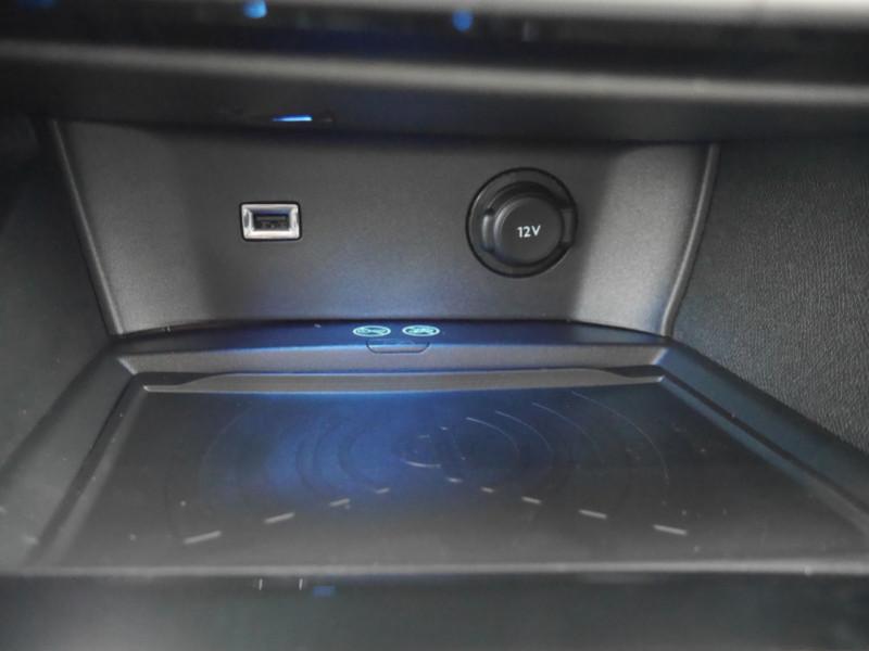 Photo 17 de l'offre de PEUGEOT 3008 1.5 BLUEHDI 130CH S&S ALLURE PACK EAT8 - 20 % à 33995€ chez Automobiles 25