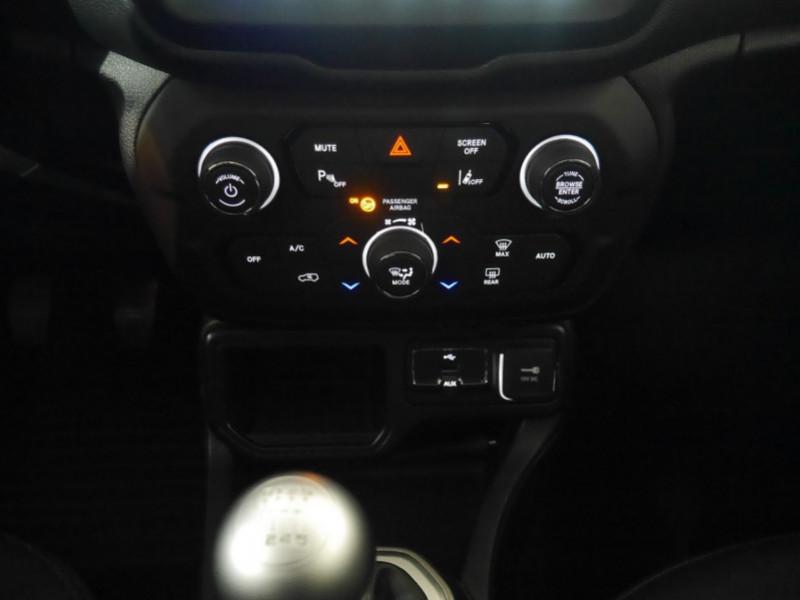 Photo 16 de l'offre de JEEP RENEGADE 1.0 GSE T3 120CH LIMITED à 17900€ chez Automobiles 25
