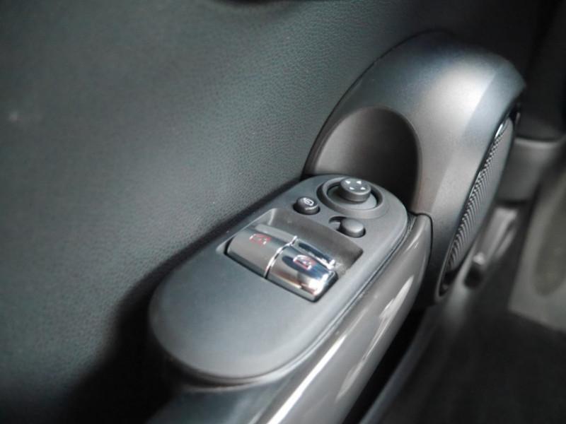 Photo 19 de l'offre de MINI MINI COOPER 136CH  CHILI BVA7 - 18 % à 25995€ chez Automobiles 25