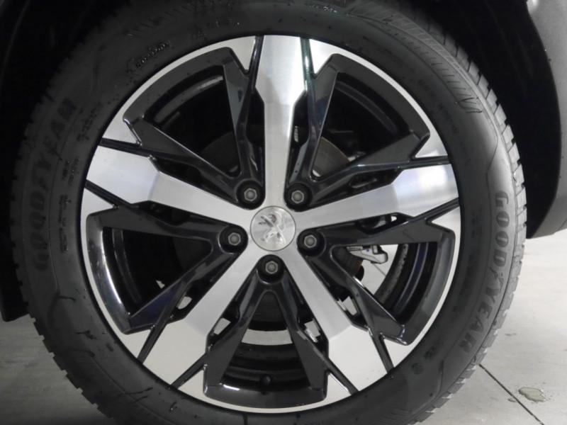Photo 24 de l'offre de PEUGEOT 3008 1.5 BLUEHDI 130CH S&S ALLURE PACK EAT8 - 15 % à 35995€ chez Automobiles 25