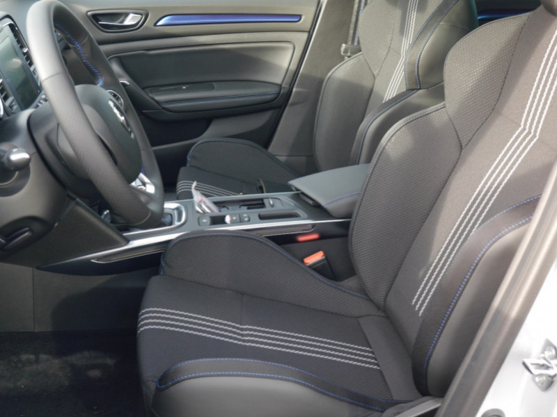Photo 3 de l'offre de RENAULT MEGANE IV ESTATE 1.5 BLUE DCI 115CH INTENS EDC - 31% à 24480€ chez Automobiles 25