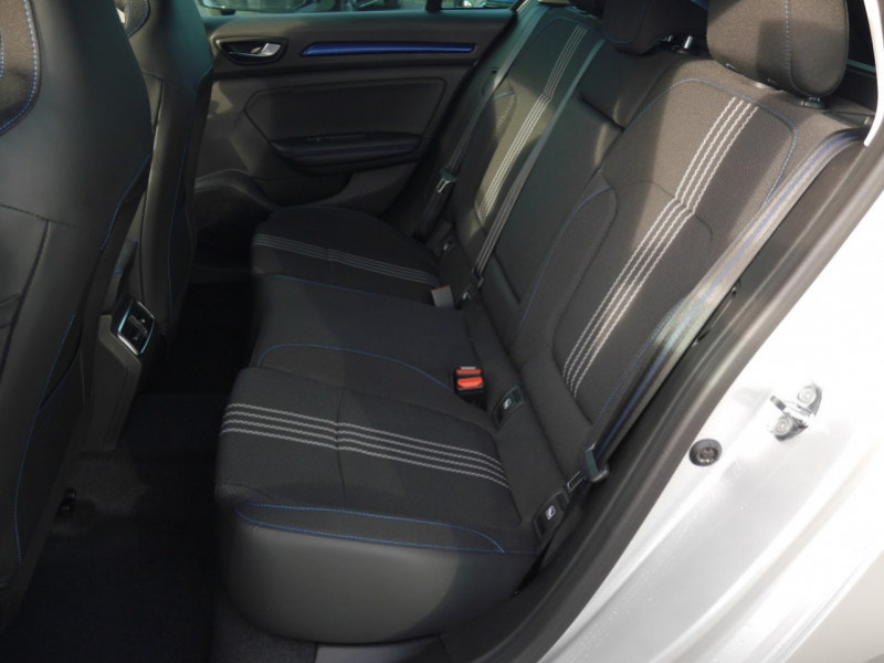 Photo 4 de l'offre de RENAULT MEGANE IV ESTATE 1.5 BLUE DCI 115CH INTENS EDC - 31% à 24480€ chez Automobiles 25