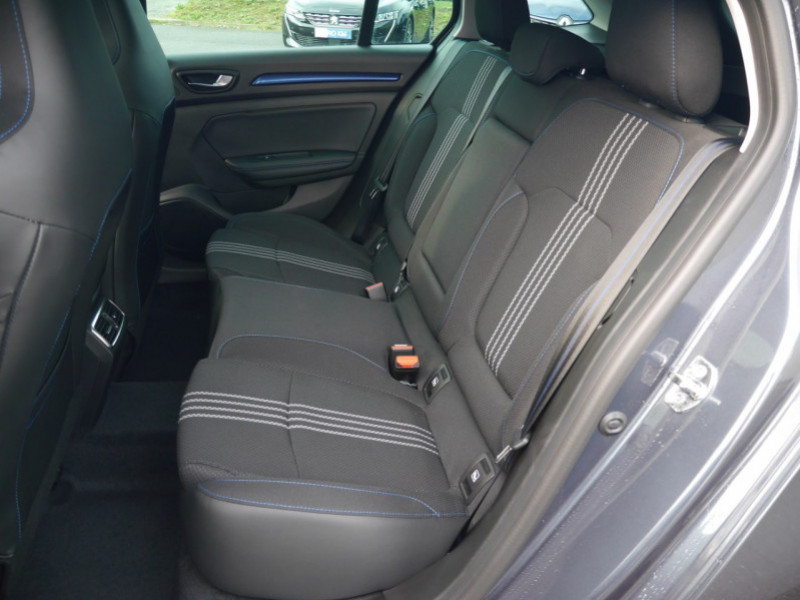 Photo 4 de l'offre de RENAULT MEGANE IV ESTATE 1.5 BLUE DCI 115CH INTENS EDC - 31 % à 24480€ chez Automobiles 25