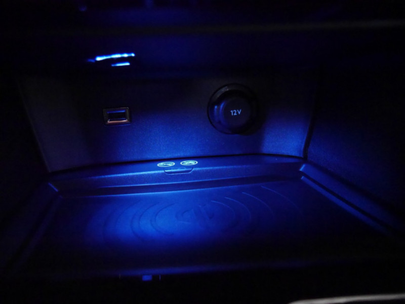 Photo 20 de l'offre de PEUGEOT 3008 1.5 BLUEHDI 130CH S&S GT EAT8 - 17 % à 37495€ chez Automobiles 25