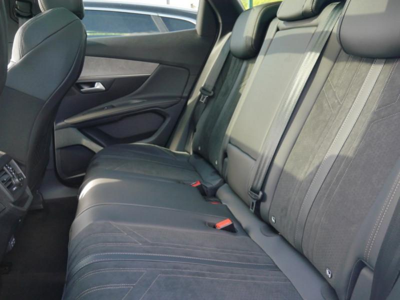 Photo 5 de l'offre de PEUGEOT 3008 1.5 BLUEHDI 130CH S&S GT EAT8 - 17 % à 37495€ chez Automobiles 25