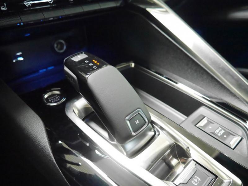 Photo 19 de l'offre de PEUGEOT 3008 1.5 BLUEHDI 130CH S&S GT EAT8 - 17 % à 37495€ chez Automobiles 25