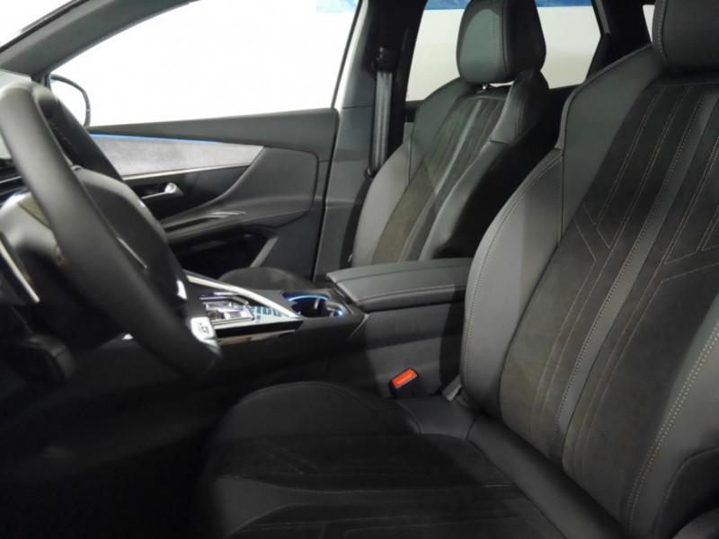 Photo 4 de l'offre de PEUGEOT 3008 1.5 BLUEHDI 130CH S&S GT EAT8 - 17 % à 37495€ chez Automobiles 25