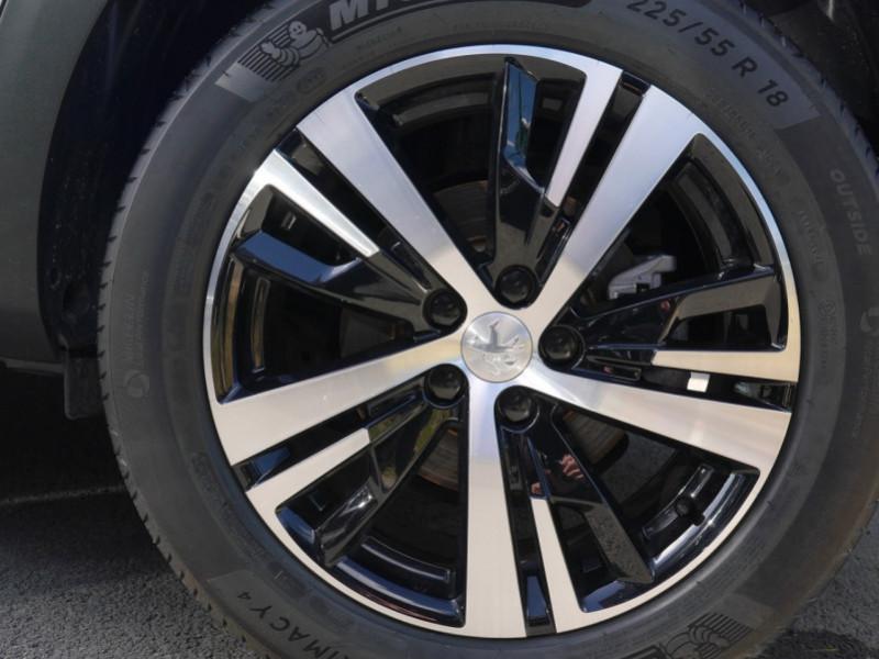Photo 24 de l'offre de PEUGEOT 3008 1.5 BLUEHDI 130CH S&S GT EAT8 - 17 % à 37495€ chez Automobiles 25