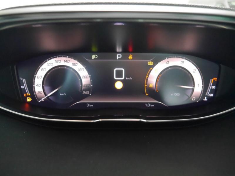 Photo 7 de l'offre de PEUGEOT 3008 1.5 BLUEHDI 130CH S&S GT EAT8 - 17 % à 37495€ chez Automobiles 25