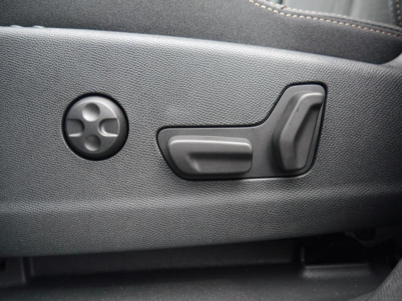 Photo 20 de l'offre de PEUGEOT 5008 2.0 BLUEHDI 180CH S&S GT PACK EAT8 - 14 % à 42995€ chez Automobiles 25