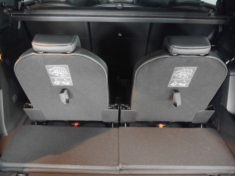 Photo 23 de l'offre de PEUGEOT 5008 2.0 BLUEHDI 180CH S&S GT PACK EAT8 - 14 % à 42995€ chez Automobiles 25