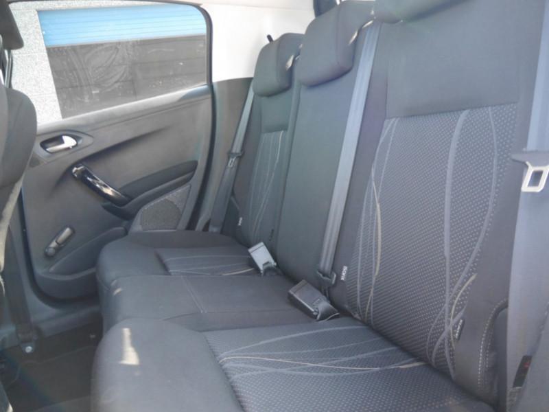 Photo 5 de l'offre de PEUGEOT 208 1.6 E-HDI FAP ACTIVE 4CV 5P à 9400€ chez Automobiles 25