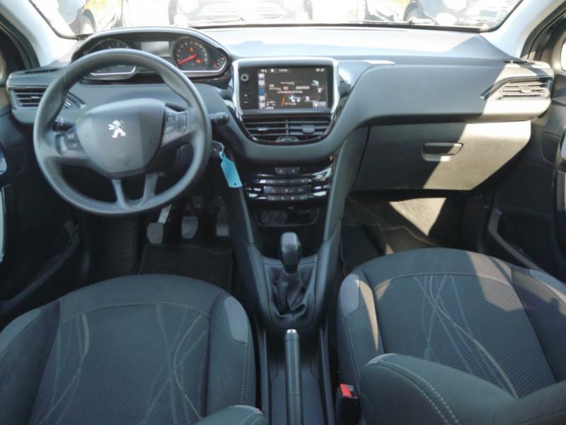 Photo 3 de l'offre de PEUGEOT 208 1.6 E-HDI FAP ACTIVE 4CV 5P à 9400€ chez Automobiles 25