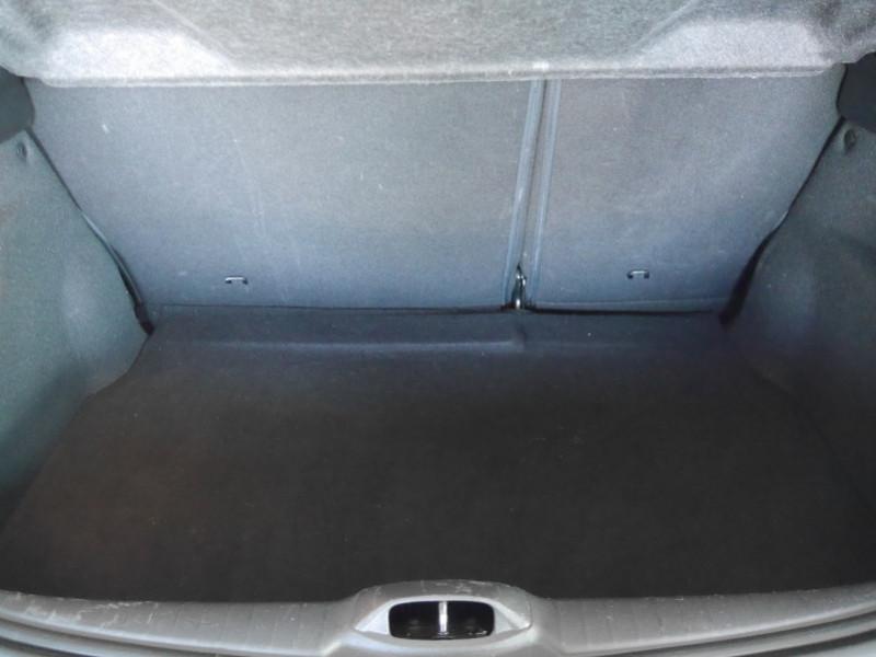 Photo 17 de l'offre de PEUGEOT 208 1.6 E-HDI FAP ACTIVE 4CV 5P à 9400€ chez Automobiles 25