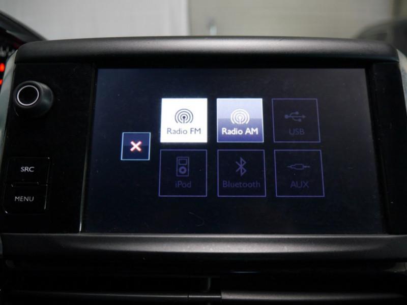 Photo 13 de l'offre de PEUGEOT 208 1.6 E-HDI FAP ACTIVE 4CV 5P à 9400€ chez Automobiles 25