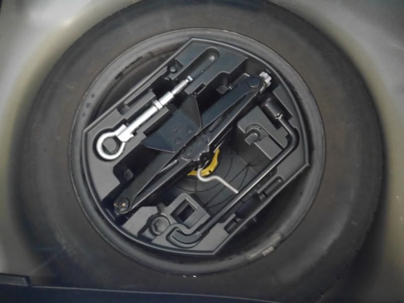 Photo 18 de l'offre de PEUGEOT 208 1.6 E-HDI FAP ACTIVE 4CV 5P à 9400€ chez Automobiles 25