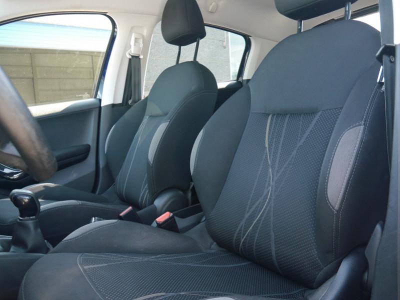 Photo 4 de l'offre de PEUGEOT 208 1.6 E-HDI FAP ACTIVE 4CV 5P à 9400€ chez Automobiles 25