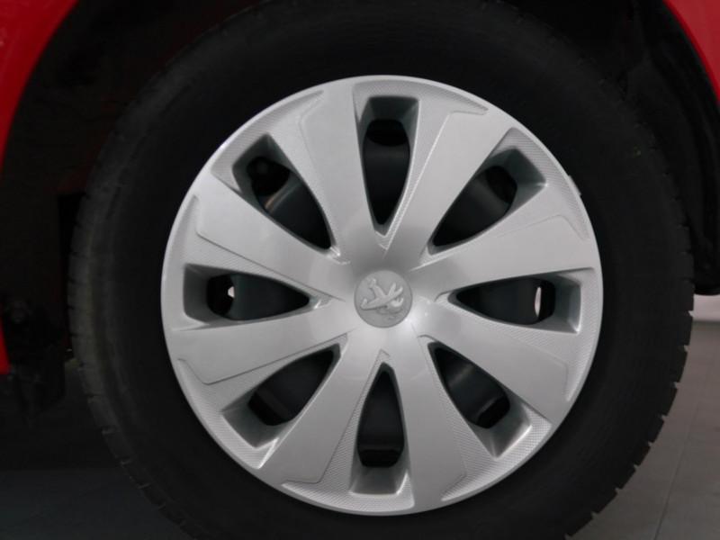 Photo 15 de l'offre de PEUGEOT 108 VTI 72 LIKE S&S 85G 3P à 8900€ chez Automobiles 25