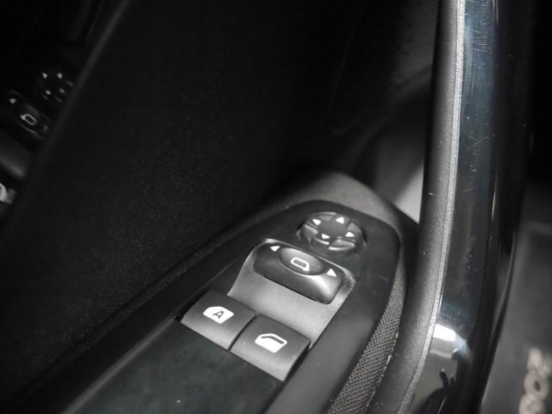 Photo 16 de l'offre de PEUGEOT 208 1.6 E-HDI FAP ACTIVE 4CV 5P à 9400€ chez Automobiles 25