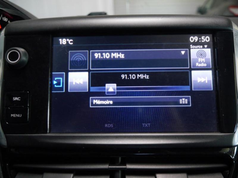 Photo 10 de l'offre de PEUGEOT 208 1.6 E-HDI FAP ACTIVE 4CV 5P à 9400€ chez Automobiles 25