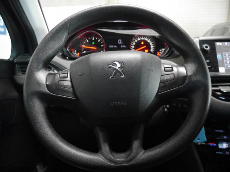 Photo 6 de l'offre de PEUGEOT 208 1.6 E-HDI FAP ACTIVE 4CV 5P à 9400€ chez Automobiles 25