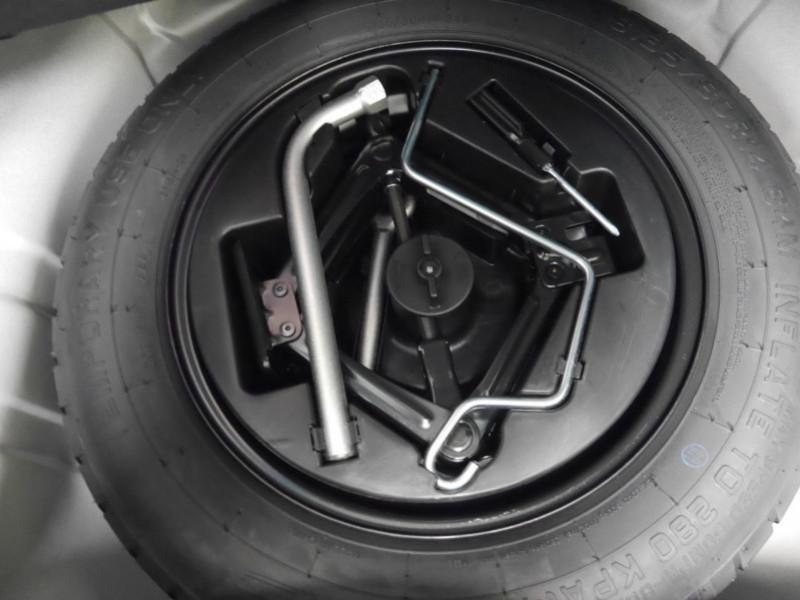 Photo 19 de l'offre de FIAT 500 1.2 8V 69CH ECO PACK  LOUNGE - 26 % à 12995€ chez Automobiles 25