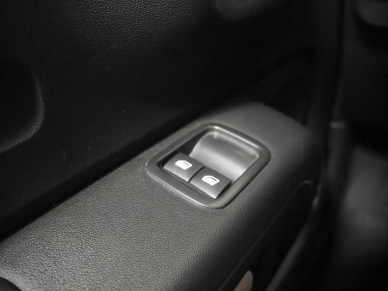 Photo 15 de l'offre de CITROEN C3 1.5 BLUEHDI 100CH S&S FEEL à 15480€ chez Automobiles 25