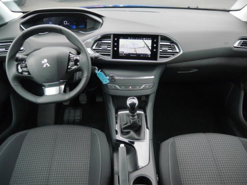 Photo 3 de l'offre de PEUGEOT 308 1.2 PURETECH 110CH S&S ACTIVE PACK -26% à 19995€ chez Automobiles 25