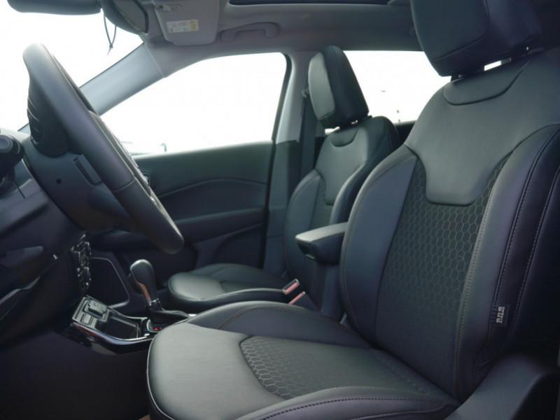 Photo 4 de l'offre de JEEP COMPASS 1.3 GSE T4 150CH LIMITED 4X2 BVR6 - 24 % à 29995€ chez Automobiles 25