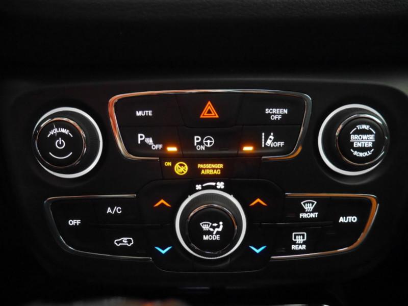 Photo 17 de l'offre de JEEP COMPASS 1.3 GSE T4 150CH LIMITED 4X2 BVR6 - 24 % à 29995€ chez Automobiles 25