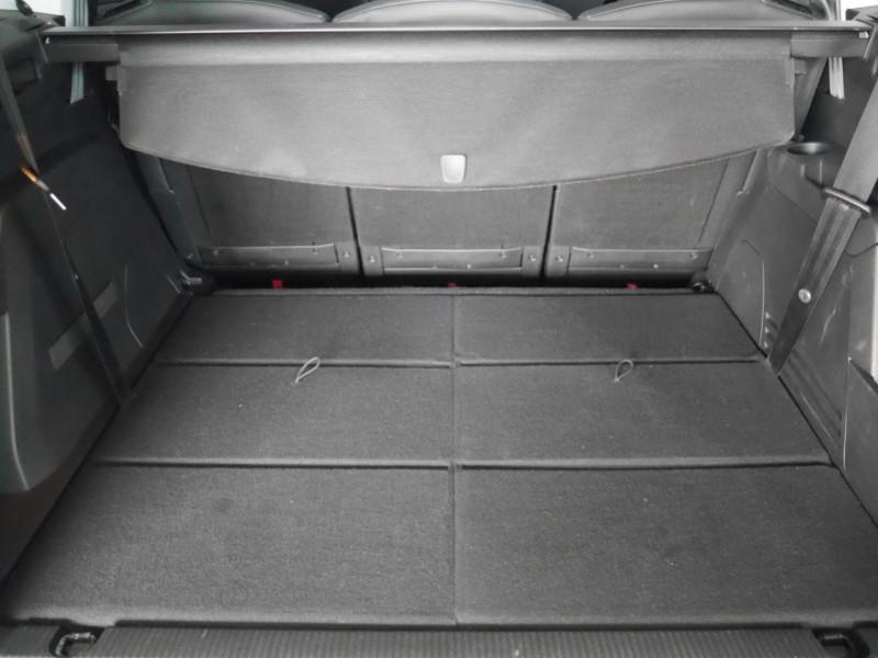 Photo 25 de l'offre de PEUGEOT 5008 1.5 BLUEHDI 130CH S&S ALLURE EAT8 à 32580€ chez Automobiles 25