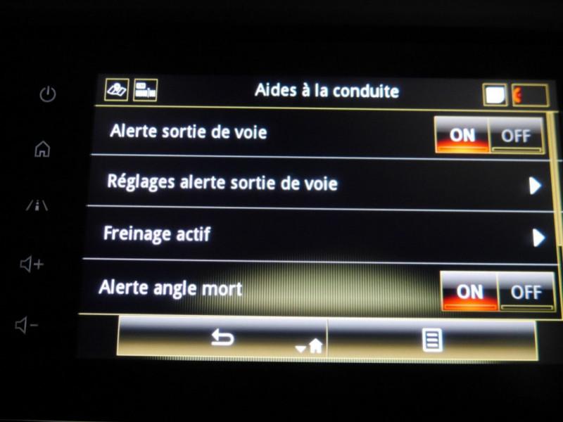 Photo 16 de l'offre de RENAULT KADJAR 1.3 TCE 140CH FAP INTENS EDC - 33 % à 24495€ chez Automobiles 25
