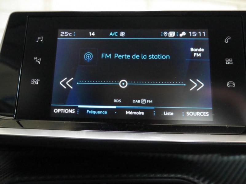 Photo 9 de l'offre de PEUGEOT 2008 1.2 PURETECH 130CH S&S ALLURE PACK EAT8 - 9 % à 26495€ chez Automobiles 25