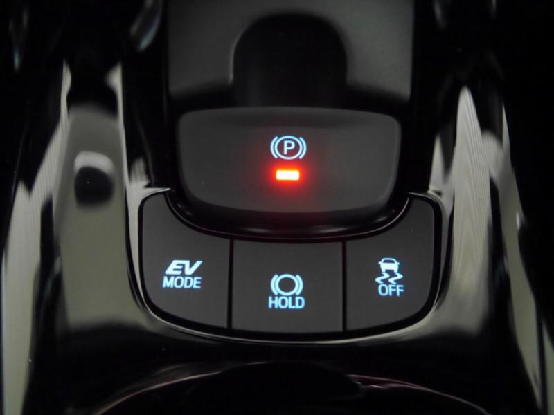 Photo 14 de l'offre de TOYOTA C-HR 184H EDITION 2WD E-CVT MY20 - 25 % à 27495€ chez Automobiles 25