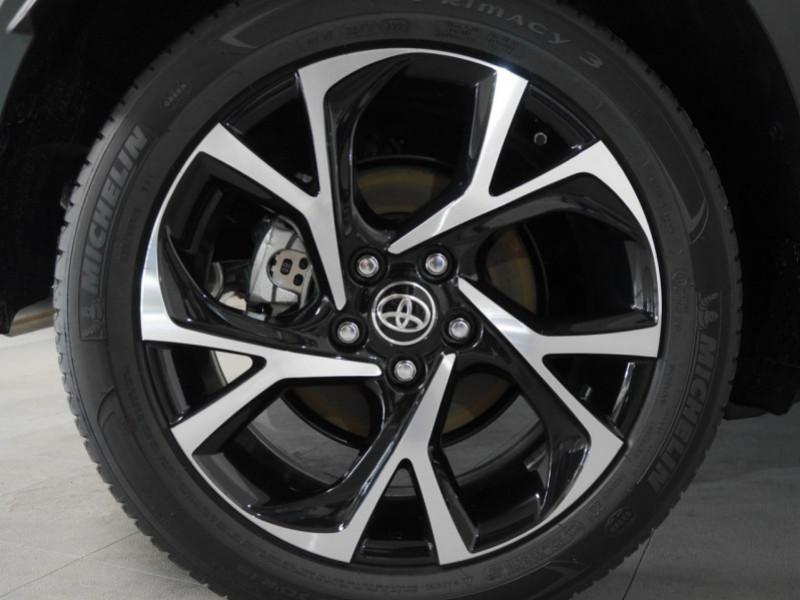 Photo 19 de l'offre de TOYOTA C-HR 184H EDITION 2WD E-CVT MY20 - 25 % à 27495€ chez Automobiles 25