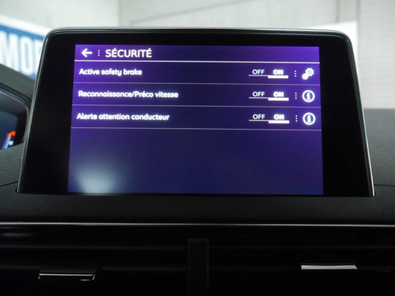 Photo 16 de l'offre de PEUGEOT 3008 1.5 BLUEHDI 130CH E6.C GT LINE S&S EAT8 à 32900€ chez Automobiles 25