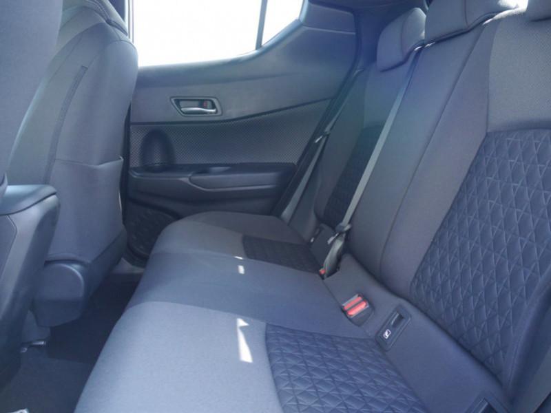 Photo 5 de l'offre de TOYOTA C-HR 184H EDITION 2WD E-CVT MY20 - 25 % à 27495€ chez Automobiles 25