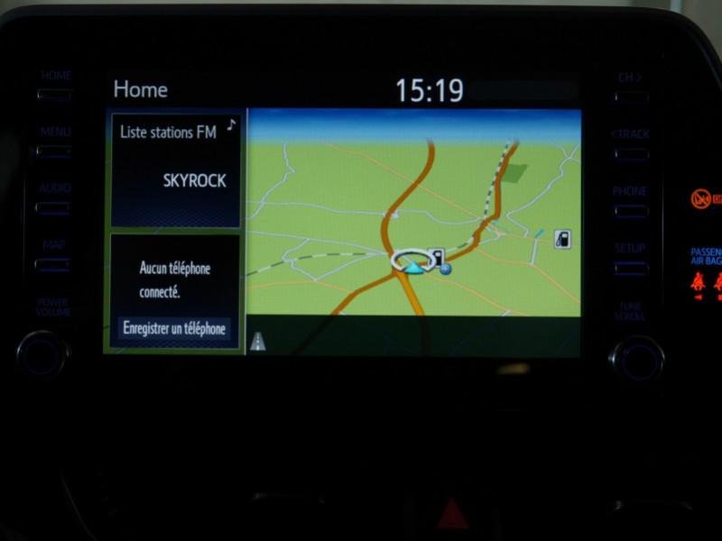Photo 8 de l'offre de TOYOTA C-HR 184H EDITION 2WD E-CVT MY20 - 25 % à 27495€ chez Automobiles 25
