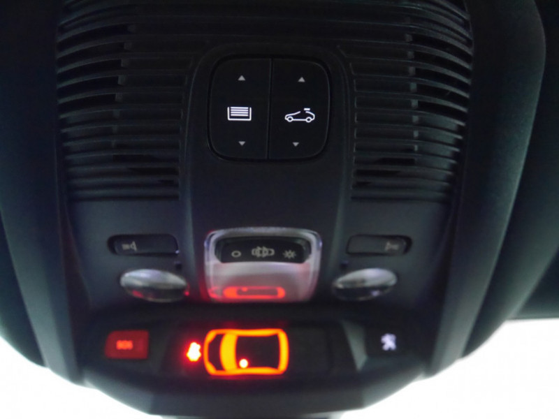 Photo 26 de l'offre de PEUGEOT 3008 1.5 BLUEHDI 130CH E6.C GT LINE S&S EAT8 à 32900€ chez Automobiles 25