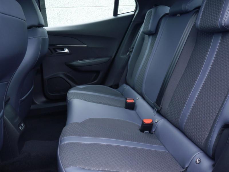 Photo 5 de l'offre de PEUGEOT 2008 1.2 PURETECH 100CH S&S ALLURE 5CV à 22900€ chez Automobiles 25