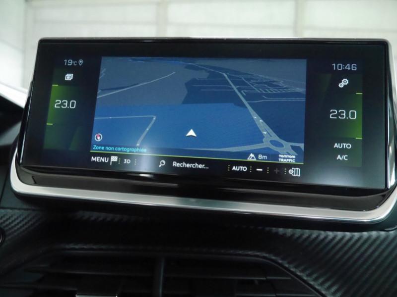 Photo 11 de l'offre de PEUGEOT 2008 1.2 PURETECH 100CH S&S ALLURE 5CV à 22900€ chez Automobiles 25