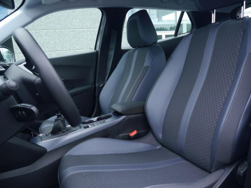 Photo 4 de l'offre de PEUGEOT 2008 1.2 PURETECH 100CH S&S ALLURE 5CV à 22900€ chez Automobiles 25