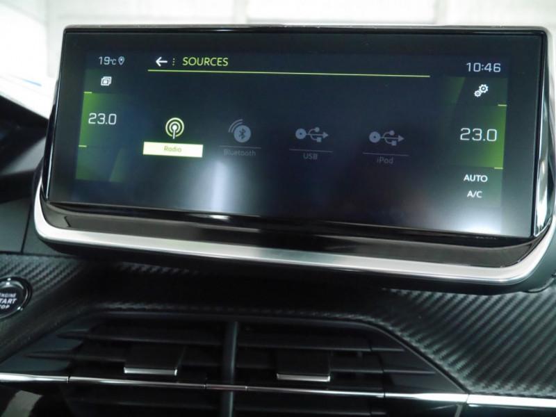 Photo 9 de l'offre de PEUGEOT 2008 1.2 PURETECH 100CH S&S ALLURE 5CV à 22900€ chez Automobiles 25