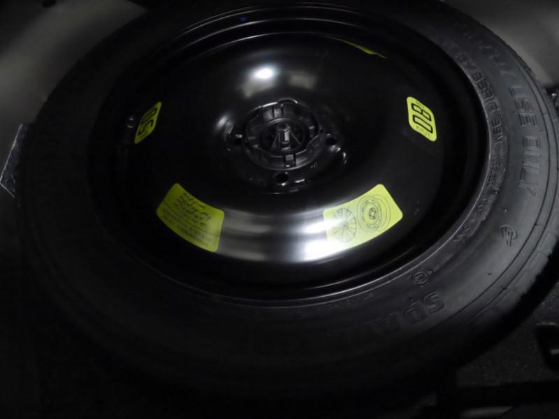 Photo 22 de l'offre de PEUGEOT 2008 1.2 PURETECH 100CH S&S ALLURE 5CV à 22900€ chez Automobiles 25