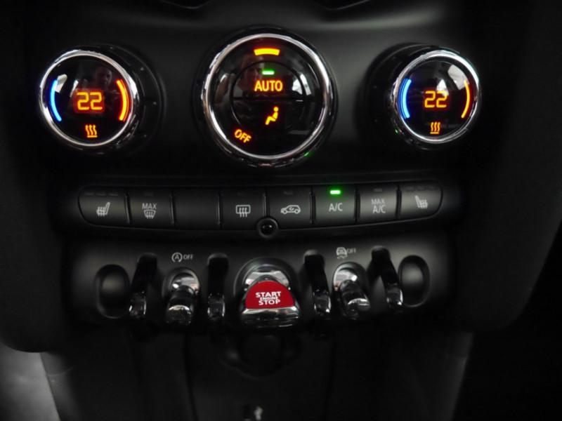 Photo 19 de l'offre de MINI MINI 5 PORTES COOPER 136CH  CHILI BVA7 - 18 % à 26695€ chez Automobiles 25