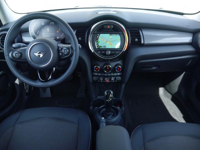 Photo 3 de l'offre de MINI MINI 5 PORTES COOPER 136CH  CHILI BVA7 - 18 % à 26695€ chez Automobiles 25