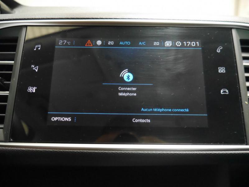 Photo 11 de l'offre de PEUGEOT 308 SW 1.2 PURETECH 130CH E6.C S&S ALLURE 6CV à 17900€ chez Automobiles 25