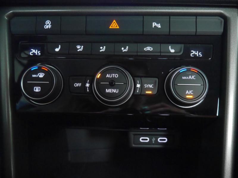 Photo 19 de l'offre de VOLKSWAGEN T-ROC 1.5 TSI EVO 150CH LOUNGE DSG7 S&S -7% à 34695€ chez Automobiles 25