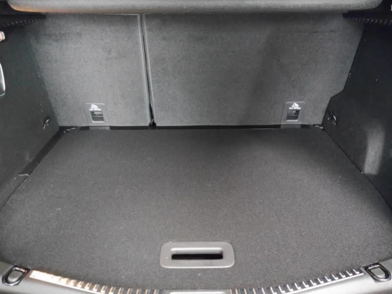 Photo 27 de l'offre de RENAULT SCENIC IV 1.3 TCE 140CH FAP BLACK EDITION EDC - 21 à 31995€ chez Automobiles 25