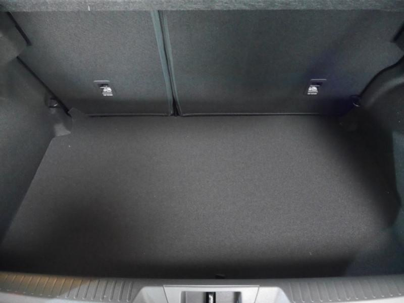 Photo 22 de l'offre de RENAULT MEGANE IV 1.3 TCE 140CH FAP INTENS EDC - 28 % à 23995€ chez Automobiles 25